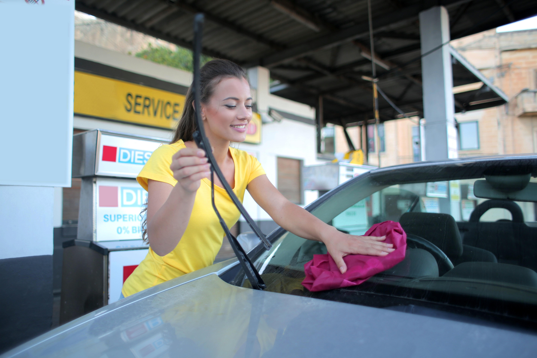 Kosmetyki samochodowe, których warto używać w lecie