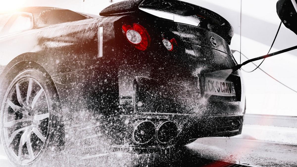 Niezbędne akcesoria w nowoczesnej myjni samochodowej